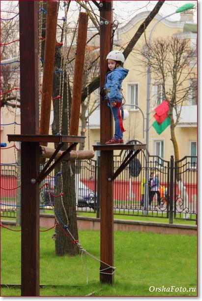 Веревочный парк в Орше — ребенок на площадке