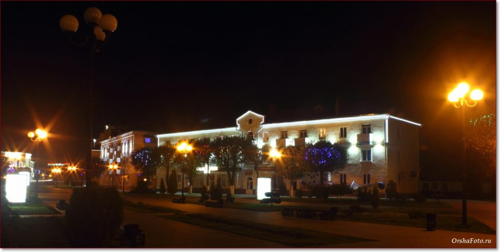 Фото Орши – центр, ул. Островского, вечер