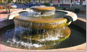 Фото Орши – фонтан в центре на пл Ленина