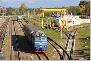 Фото Орши – тепловозы на путях ЖД вокзала