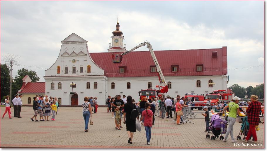 День пожарных в Орше - фото у коллегиума