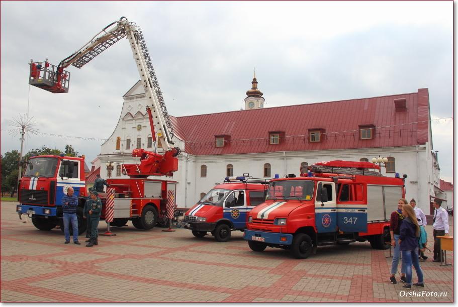 День пожарных в Орше - фото машин в центре