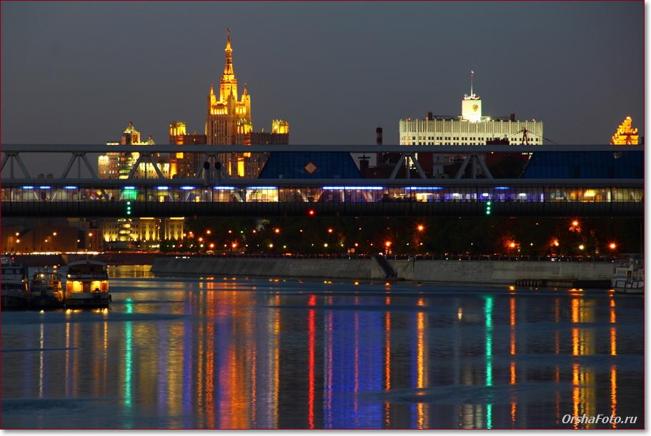Ночной вид на Москва реку