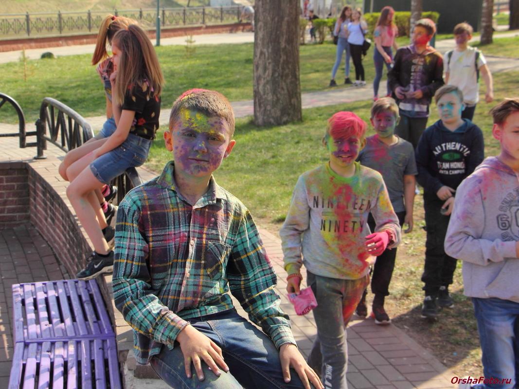 Краски в детском парке в Орше 27.04.2019