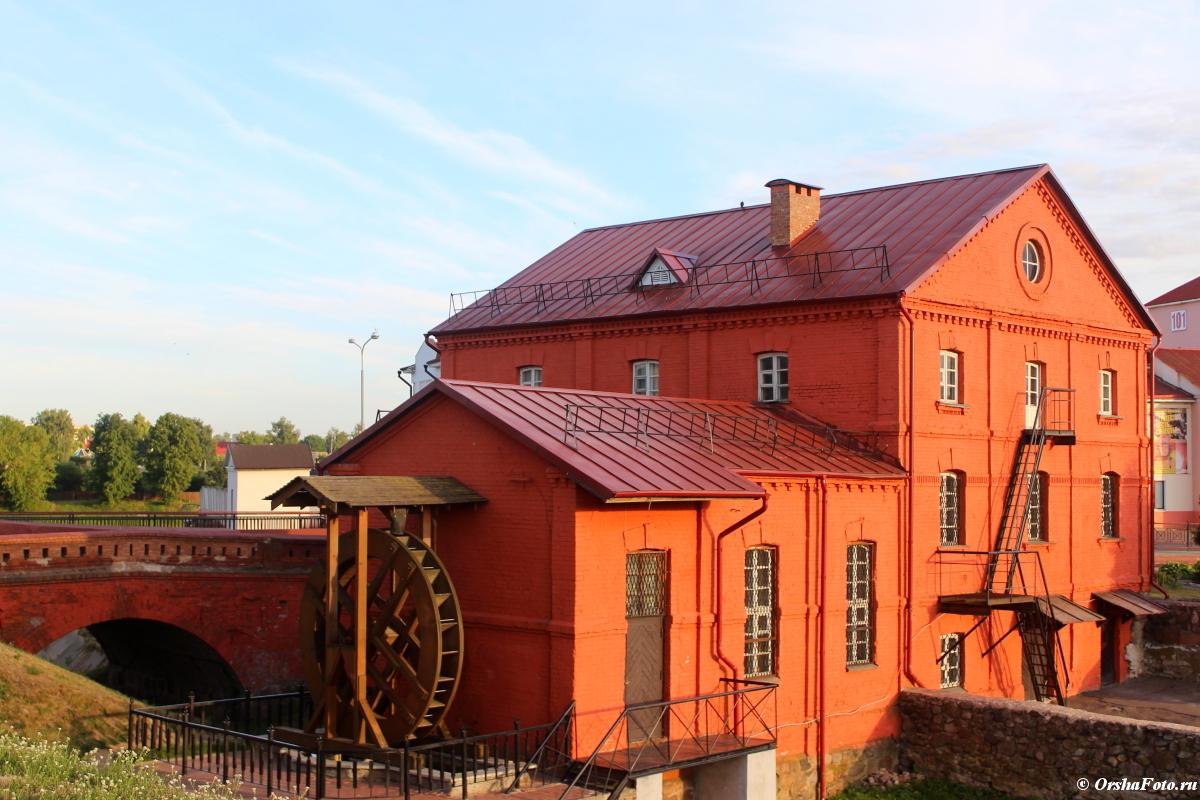 Орша — мельница и мост летним днем