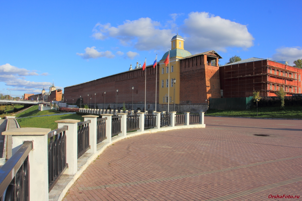 Смоленск, смотровая площадка, стена — OrshaFoto.ru